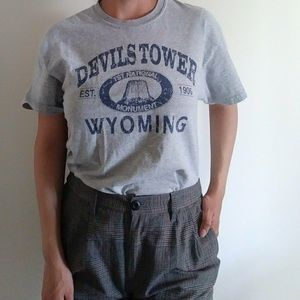 Tops - Y2k devils tower wy mens unisex graphic tee m